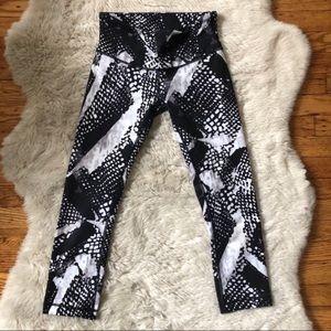 Lululemon Graphic Geometric Print Cropped Pants